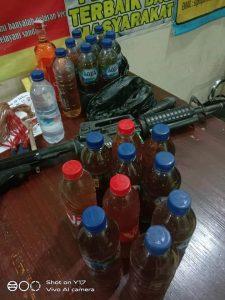 botol miras dan senjata tajam diamankan pihak polres