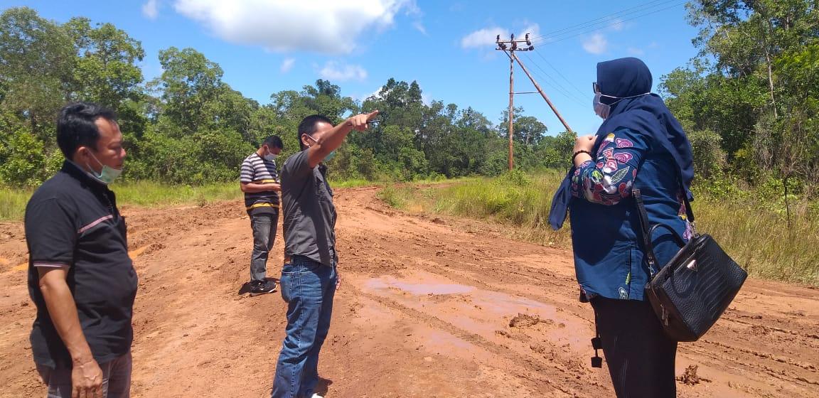 Fauzun Nihayah tinjau Jln bersama PPTK Dinas PU Provinsi