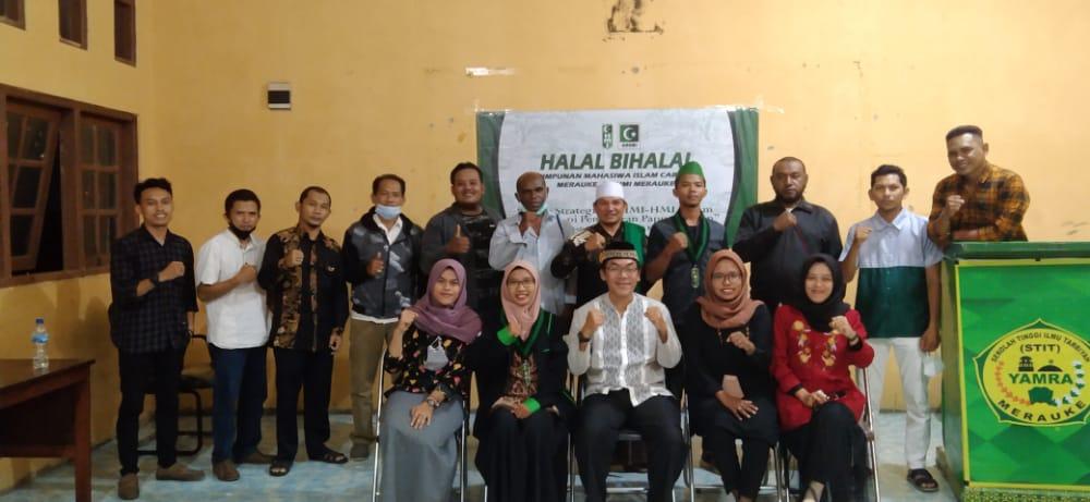 Foto bersama kader dan alumni HMI/UB